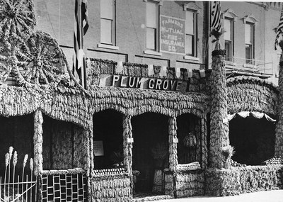 The 1914 El Dorado, Kansas, Kafir Corn Carnival featured street architecture and entrancefronts fashioned of what was known at the time as Kafir corn, a type of sorghum. Courtesy of theKansas State Historical Society.